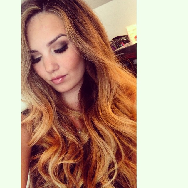 Channeling my inner southern @jessiejamesdecker with some honey blonde hair ️ #diy #ombre #hairstyle #curls #smokeyeye #macmakeup #maccosmetics #mua #hairstylist #jessiejamesdecker #honeyblonde