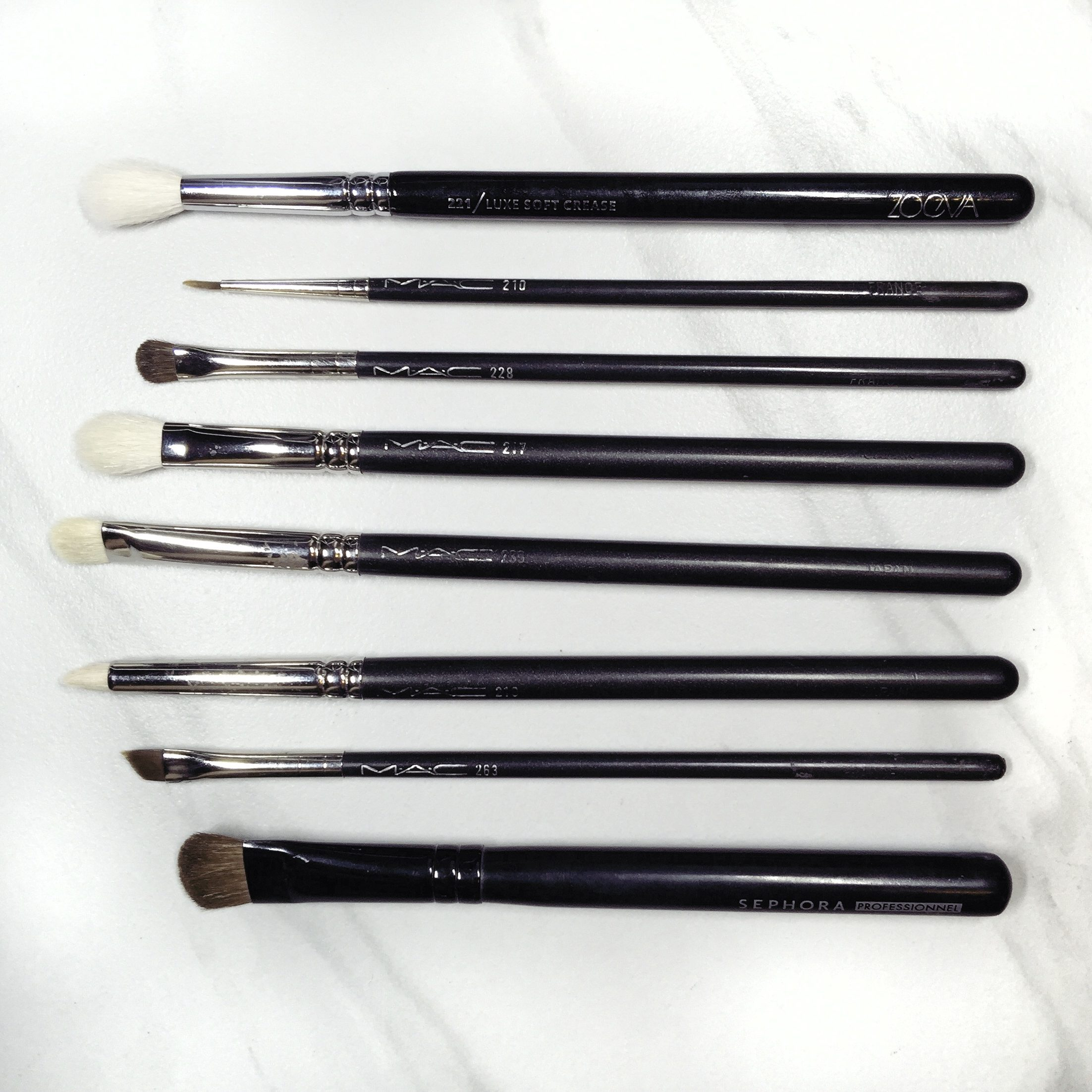 tease-and-makeup-makeup-brushes-for-the-eyes